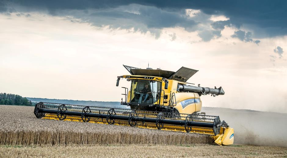IntelliSense on the New Holland combine harvester CR10.90 Revelation constantly retains maximum capacity.