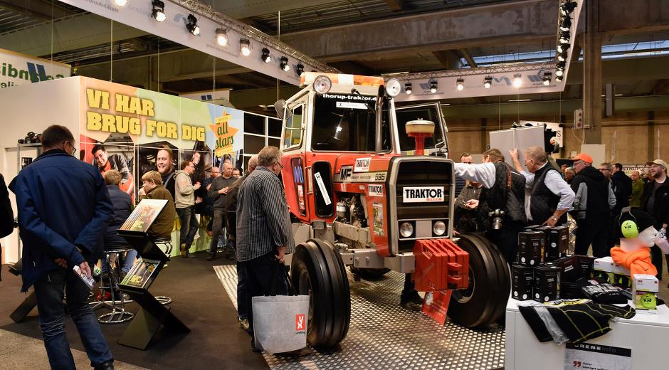 In Hall C at Agromek, visitors can study the Readers' Tractor 2.0 and the entire trade stand for the  contractor, park, road and landscape sectors.